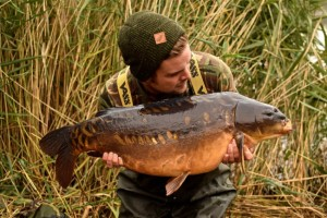james_armstrong_in_vass-tex_700_chest_waders_carp_fishing__11